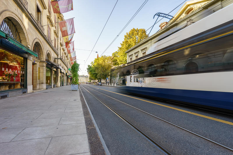 Tram in der Schweiz - HDR stockbilder