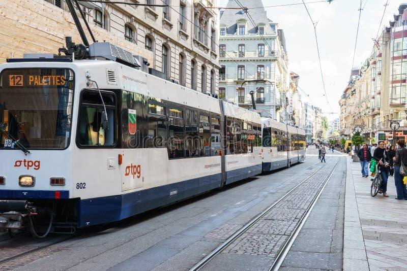 Tram in Genf, die Schweiz lizenzfreies stockbild