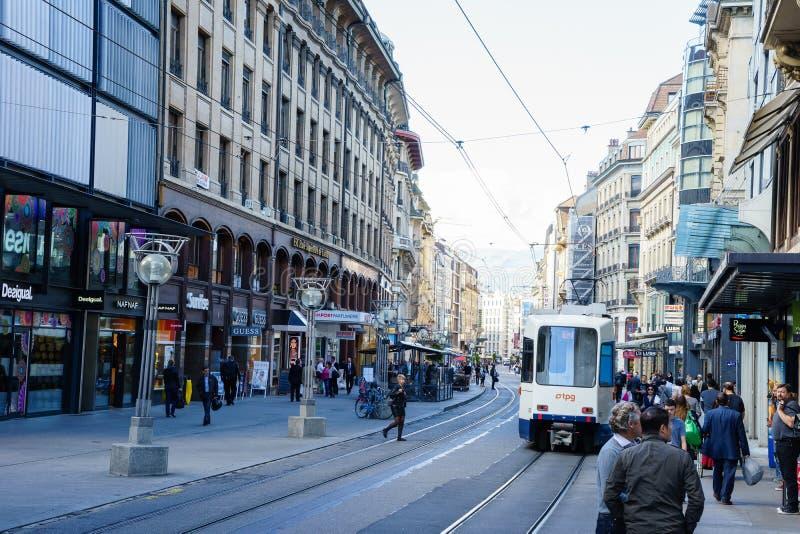 Tram in Genf, die Schweiz lizenzfreie stockbilder