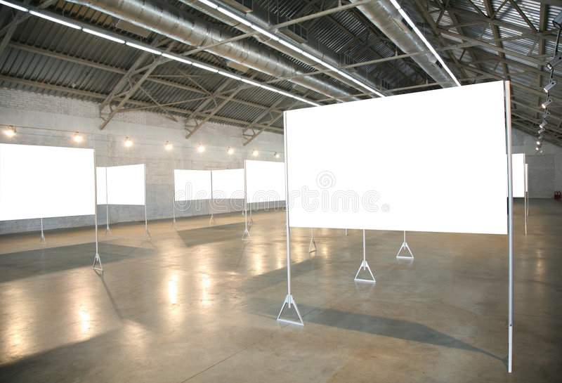 Trames blanches dans le hall photographie stock
