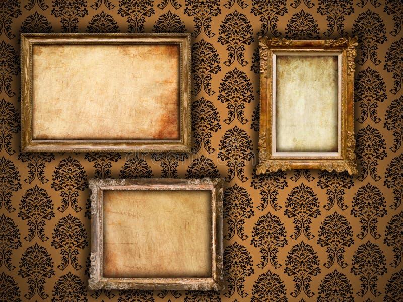 Trames dorées de cru sur le papier peint de damassé image libre de droits