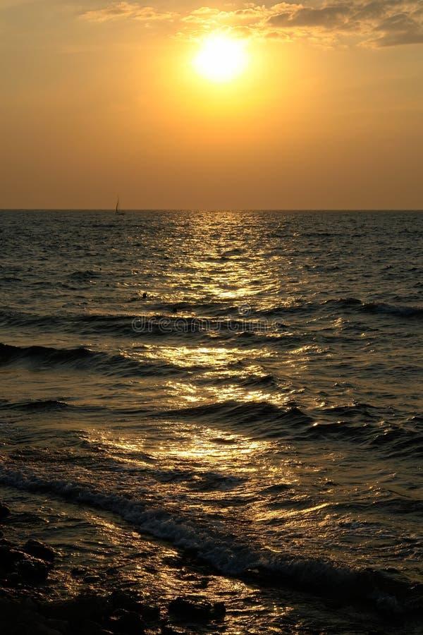 Download Tramonto fotografia stock. Immagine di oceani, puntello - 3144258