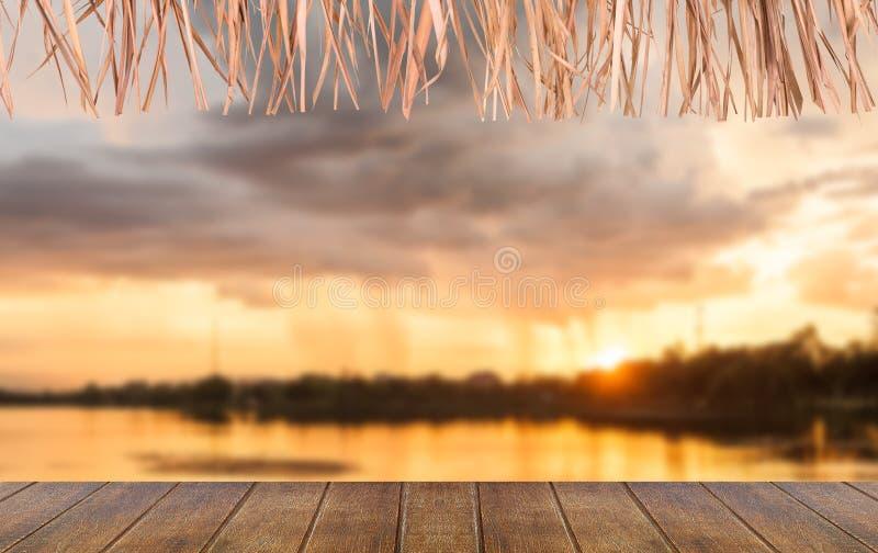 Download Tramonto immagine stock. Immagine di esterno, sera, spiaggia - 55358139