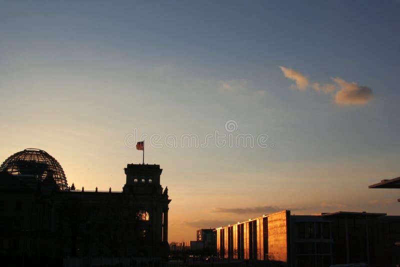 Tramonto al Bundestag fotografie stock libere da diritti