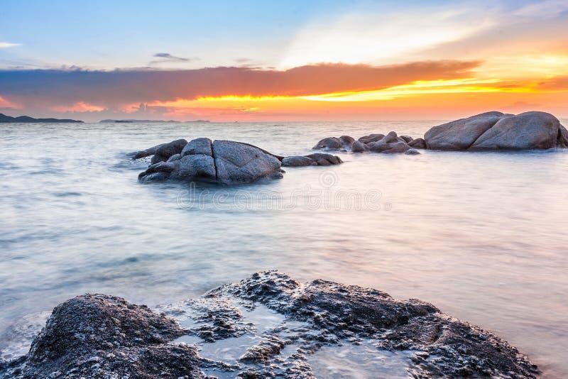 Tramonto al mare fotografie stock libere da diritti