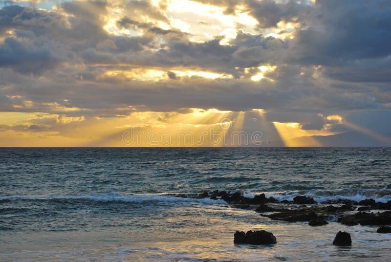 Tramonto al parco 3, Kihei, Maui della spiaggia di Kamaole fotografia stock libera da diritti