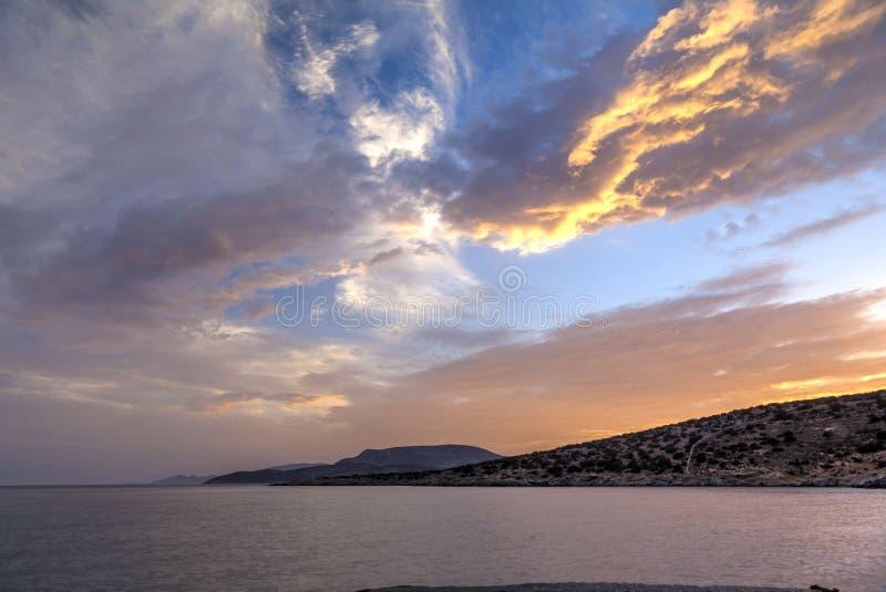 Tramonto all'isola di Sifnos, Grecia immagini stock