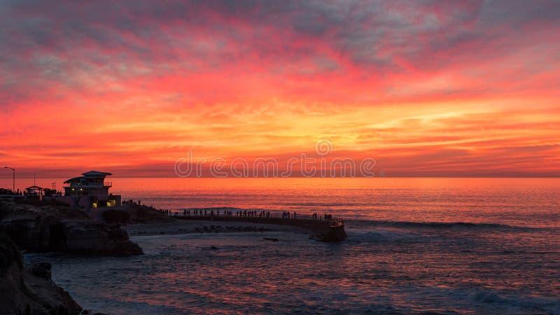 Tramonto alla baia di La Jolla, San Diego, California fotografia stock