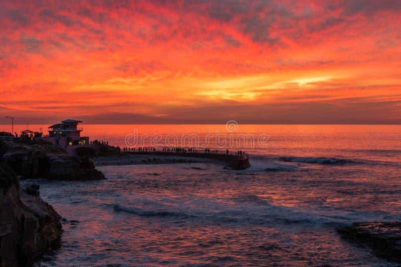 Tramonto alla baia di La Jolla, San Diego, California immagini stock libere da diritti