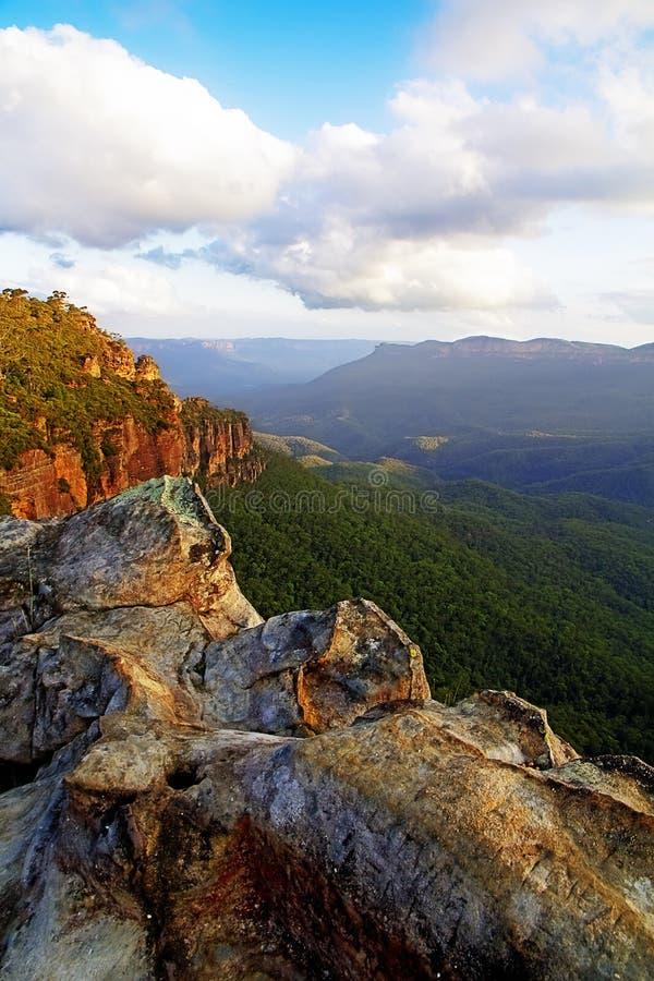 Tramonto blu delle montagne, Australia fotografie stock