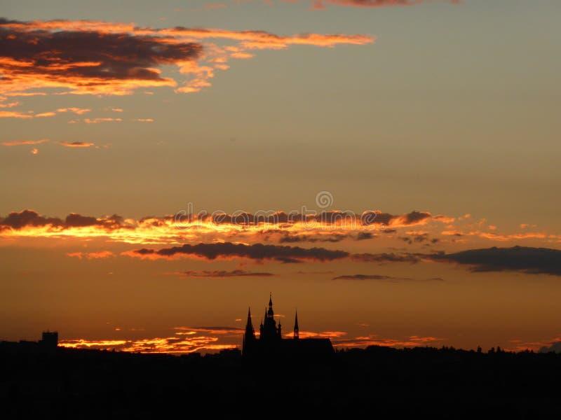 Tramonto del castello di Praga fotografia stock