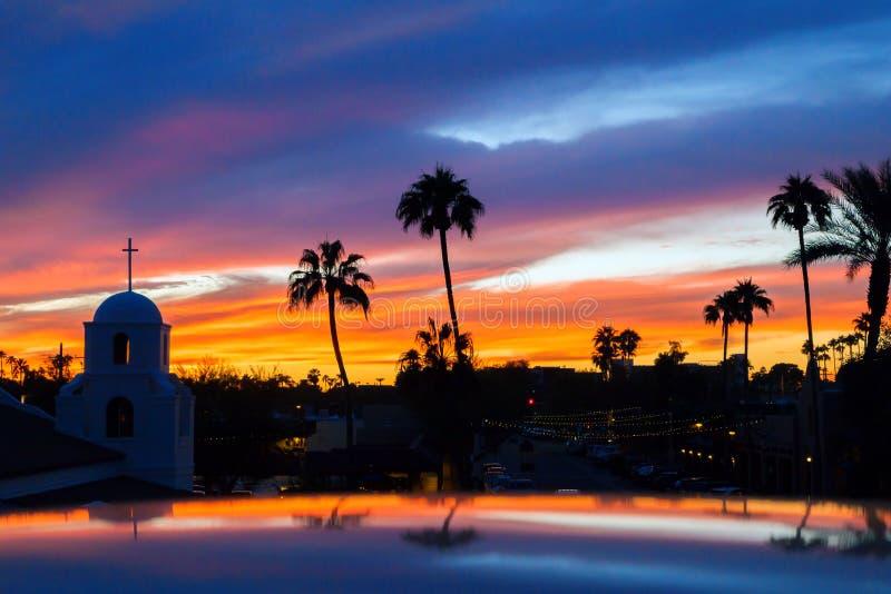 Tramonto del centro di Scottsdale fotografia stock