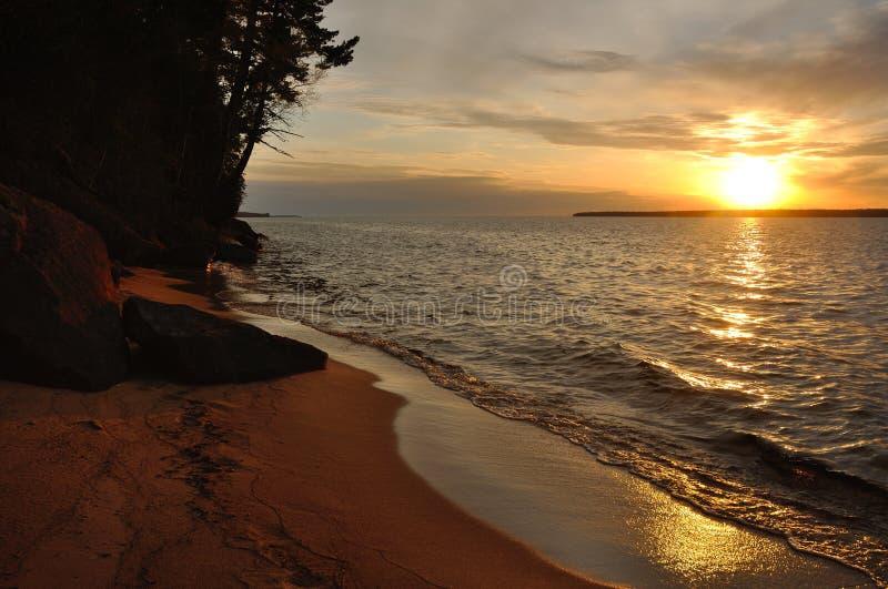 Tramonto del lago Superiore immagini stock