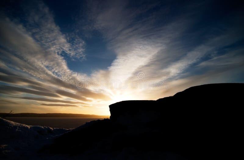 Tramonto dell'oceano e della roccia immagini stock