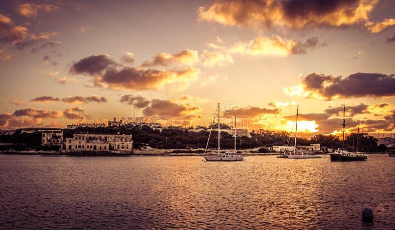 Tramonto della baia di La Valletta immagini stock