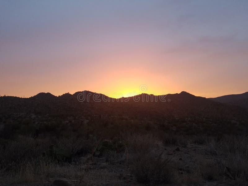 Tramonto della montagna del deserto immagini stock libere da diritti
