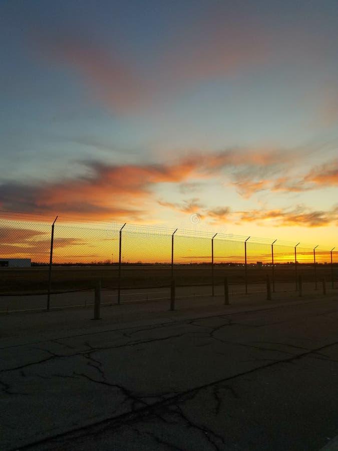 Download Tramonto della pista fotografia stock. Immagine di pista - 117980470
