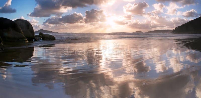 Tramonto della spiaggia del whisky immagini stock