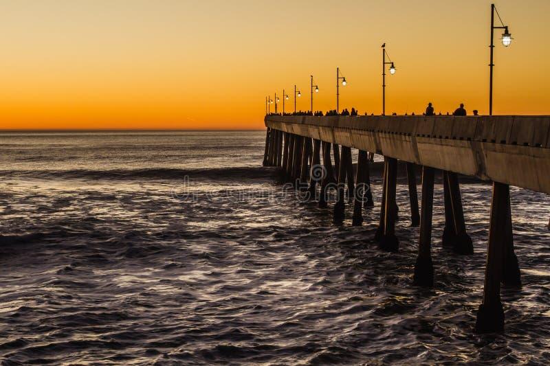 Tramonto della spiaggia di Pacifica Pier fotografie stock libere da diritti