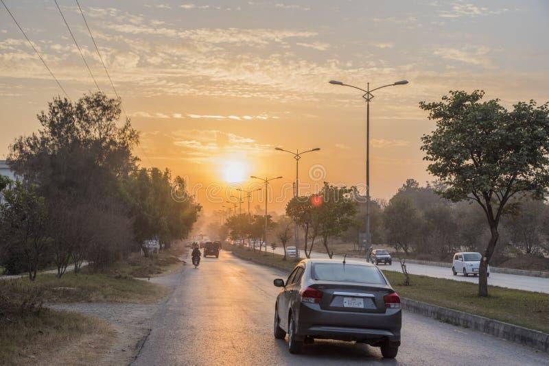 Tramonto delle vie principali a Islamabad fotografia stock