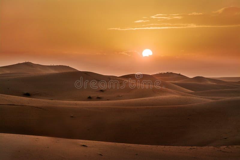 Tramonto, deserto, Sahara occidentale nel Marocco l'africa fotografia stock libera da diritti