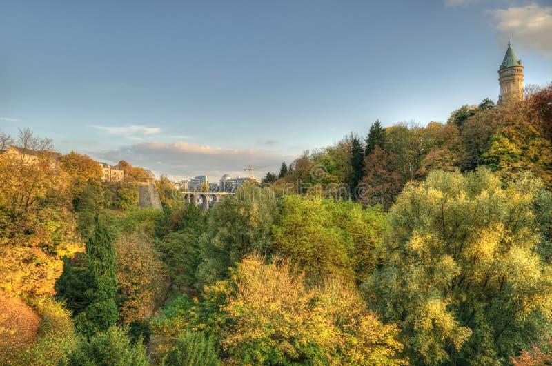 Tramonto di autunno a Lussemburgo fotografia stock