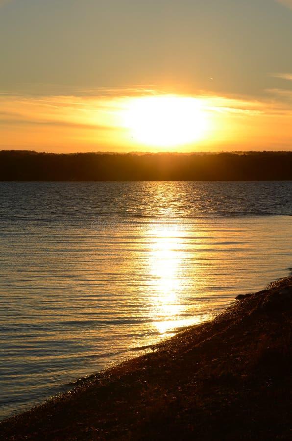 Tramonto di caduta sul lago FingerLakes NYS cayuga fotografie stock libere da diritti