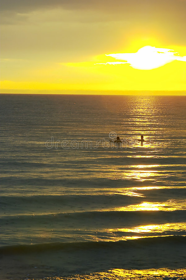 Download Tramonto di estate immagine stock. Immagine di uomo, nubi - 209337