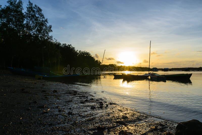 Tramonto di estate di vista sul mare fotografia stock libera da diritti