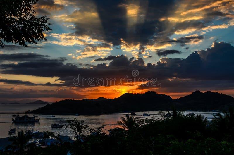 Tramonto di Labuan Bajo immagine stock libera da diritti