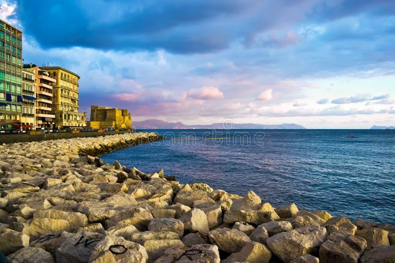 Tramonto di Napoli fotografie stock