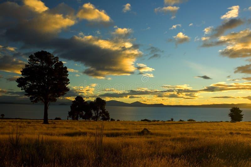 Tramonto di Taupo fotografie stock libere da diritti