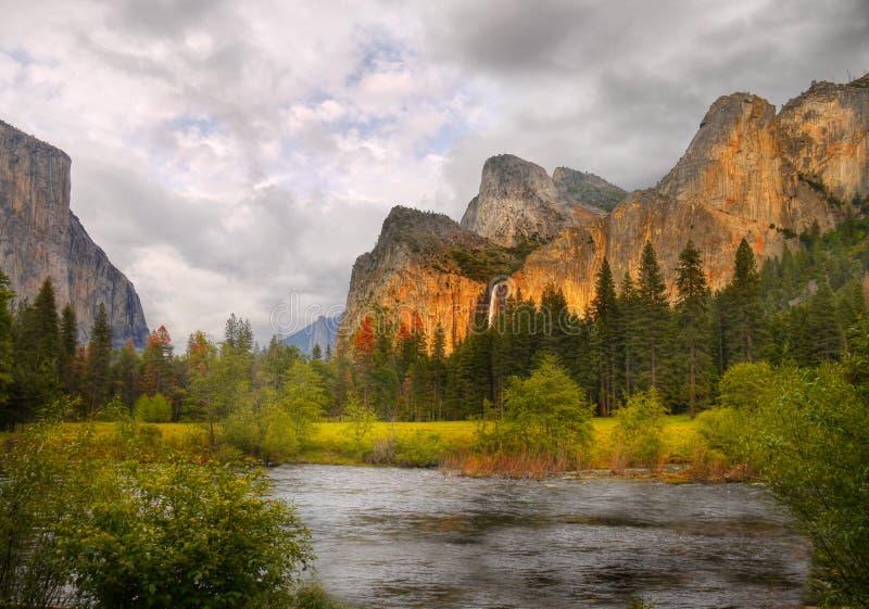 Tramonto di Yosemite, parco nazionale di Yosemite immagini stock libere da diritti