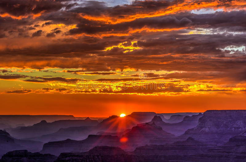 Tramonto dorato al punto di Lipan, Grand Canyon, Arizona fotografia stock
