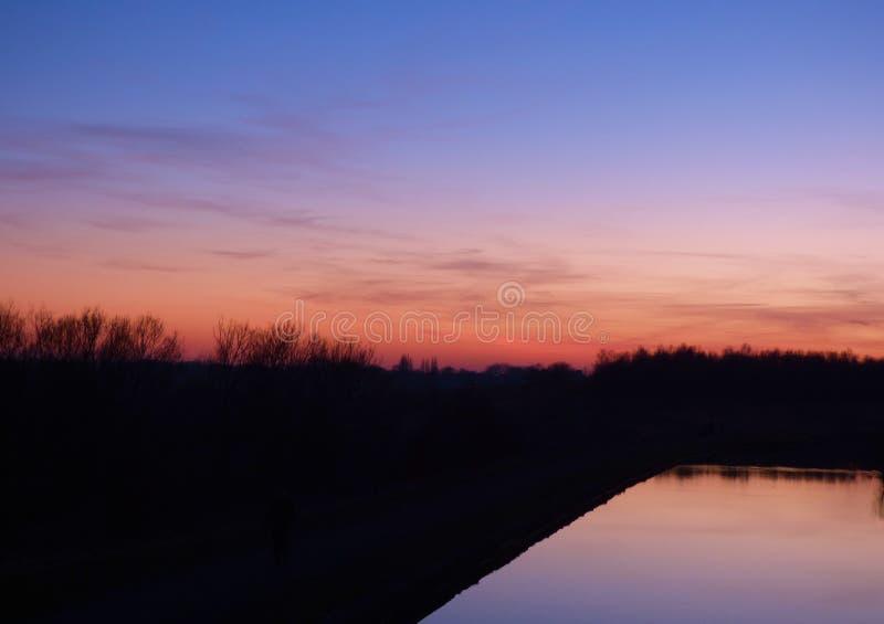 Tramonto drammatico e cielo di alba immagini stock