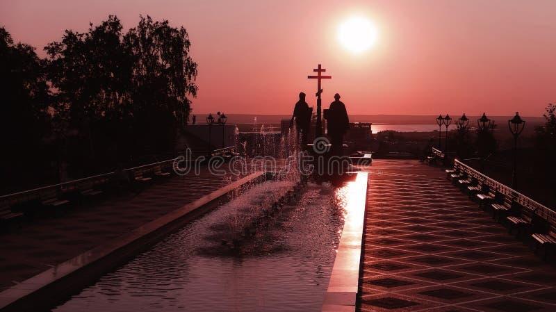 Tramonto drammatico sopra lo iin Russia di Jesus Christ Resurrection della chiesa ortodossa fotografia stock libera da diritti