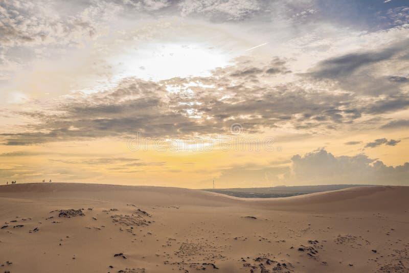 Tramonto in dune fotografia stock libera da diritti
