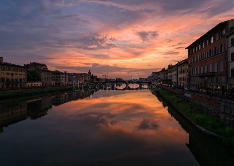 Tramonto a Firenze L'Italia fotografia stock