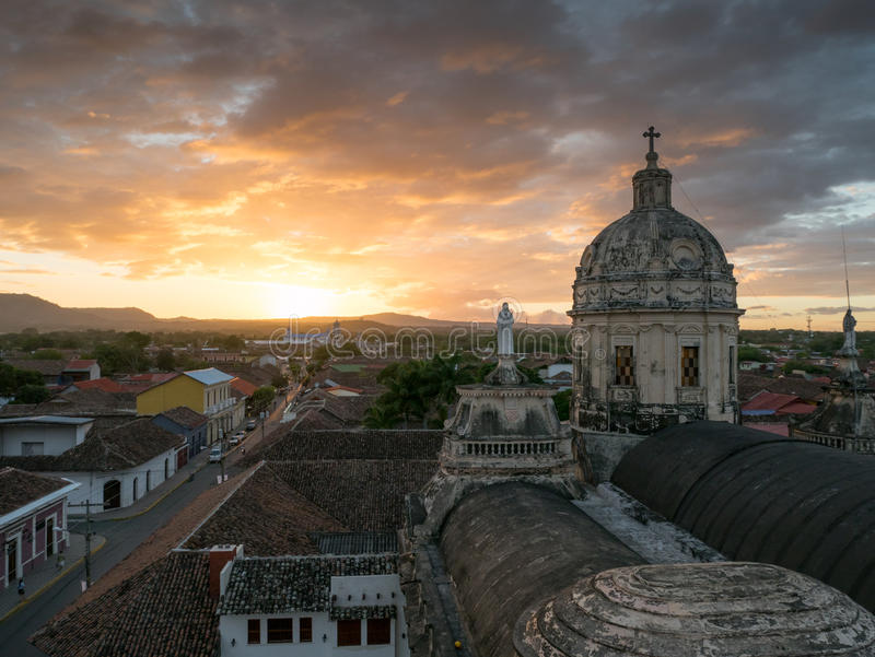 Tramonto a Granada fotografie stock libere da diritti