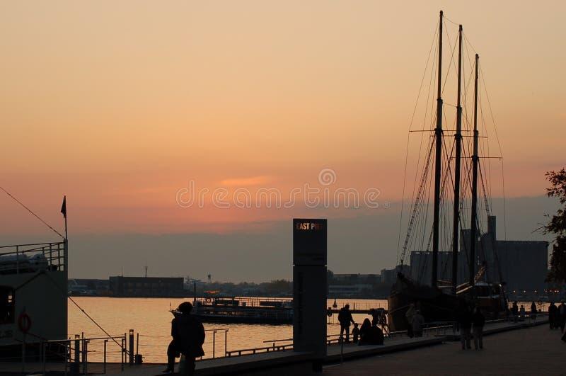 Tramonto a Harbourfront immagini stock