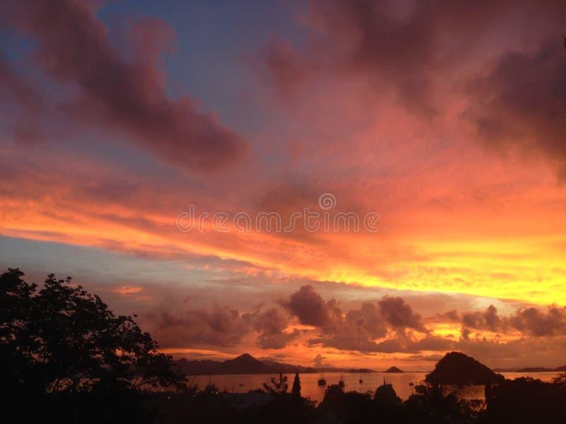 Tramonto in Labuan Bajo immagini stock