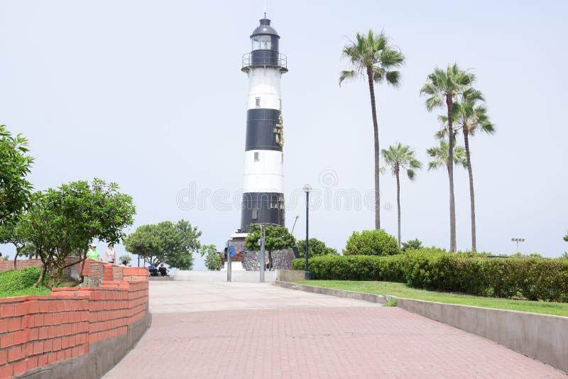 Tramonto, linea costiera e oceano Pacifico nel sud di Lima fotografia stock libera da diritti