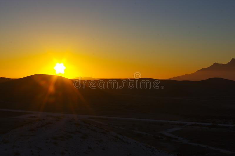 Tramonto nel deserto namibiano immagine stock