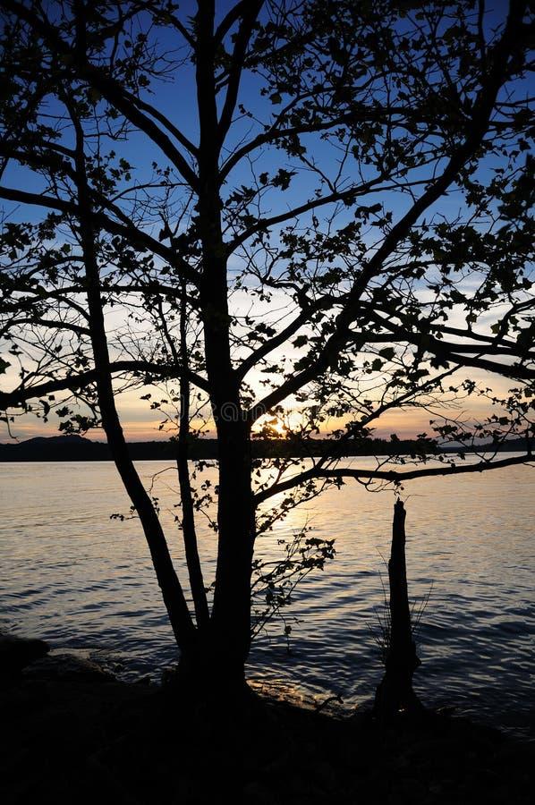 Tramonto nel lago Kentucky S.U.A. run della caverna fotografie stock libere da diritti