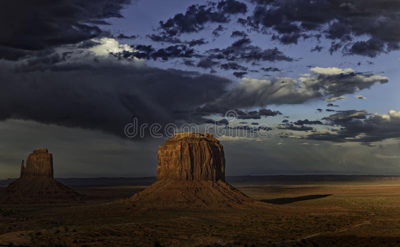 Tramonto nella Monument Valley immagine stock