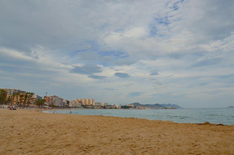 Tramonto nella spiaggia fotografia stock libera da diritti