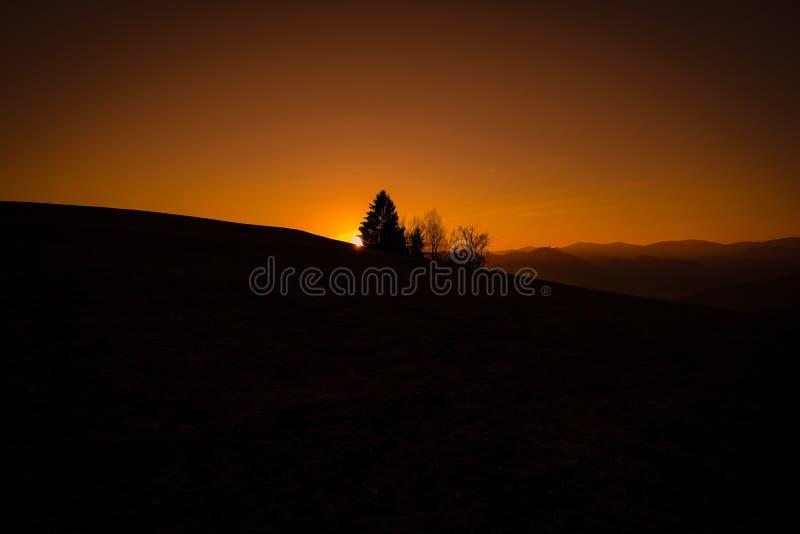 Tramonto nelle colline styrian fotografie stock