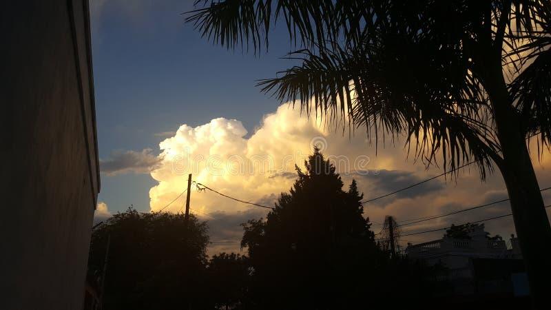 Tramonto nuvoloso fotografia stock