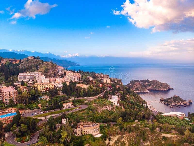 Tramonto panoramico Taormina, Sicilia Italia della foto del fuco Vista superiore aerea fotografie stock