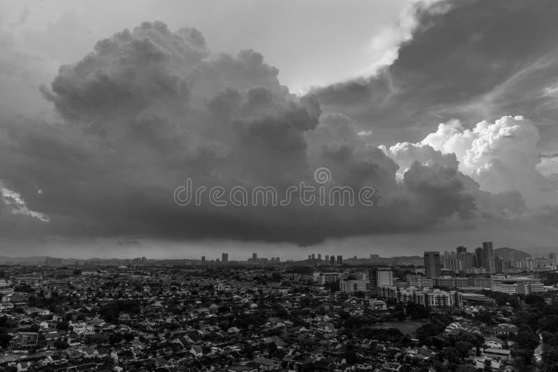 Tramonto in Petaling Jaya, Selangor, Malesia immagine stock libera da diritti